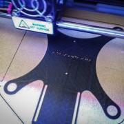 3D-Drucker druckt Quadkopter