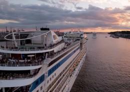 AIDA verlässt Hamburg